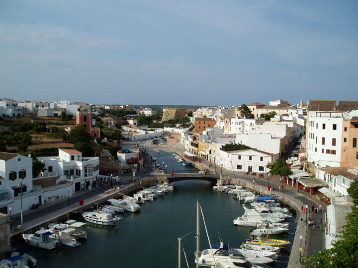 fishingtripmenorca.co.uk boat tours to Ciutadella in Minorca